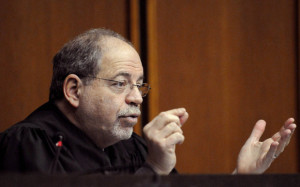 Judge Isaac Borenstein speaks during a hearing at Middlesex District Court in Cambridge, Mass. in 2008. (Bear Cieri/AP)