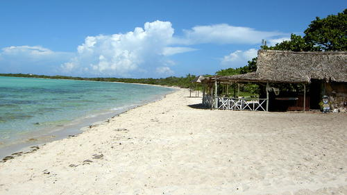 The beach at Cayo Coco on the north side of Cuba. (Rickybolgia / Wikimedia Commons)
