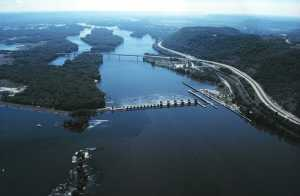 Mississippi_River_Lock_and_Dam_number_7